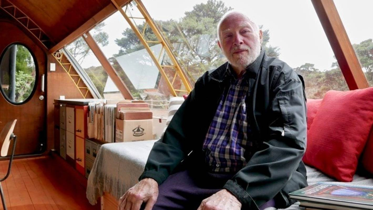 Prager, 86, built the house by hand while living in a 10 square-metre hut on the site - it took him 10 years.