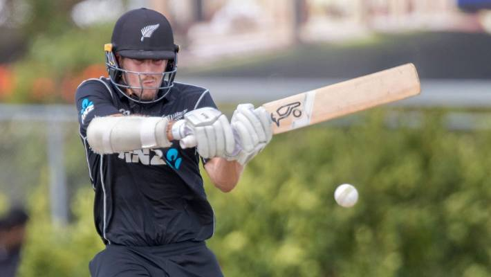 Trent Boult's hat trick earns New Zealand 47-run win against Pakistan