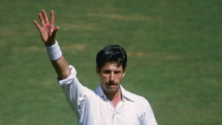 Revered in India, Richard Hadlee received a rousing ovation after snaring his world record 374th test wicket in 1988.