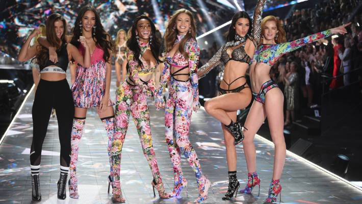 cb5a4f28d60 Victoria s Secret 2018  Gigi Hadid and Kendall Jenner return to the ...