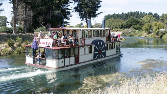 The River Queen near Butterfactory corner in Marlborough.