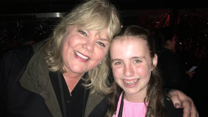 Taylor's super-fast fans, Gracie, met his favorite star - and Andrea's mother - at the Mt Smart concert last night.