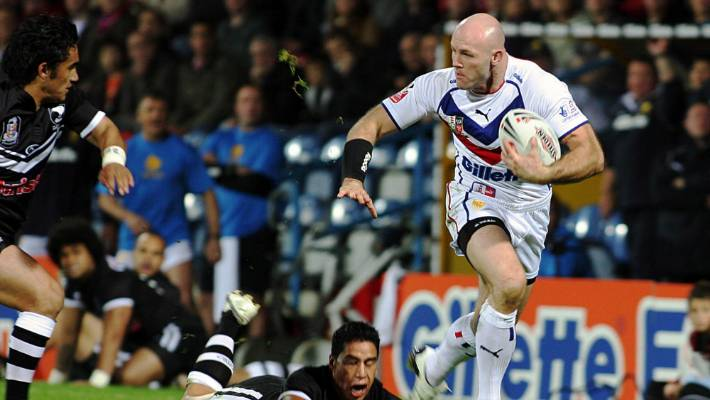 Great Britain's Keith Senior on the charge during New Zealand's 2007 tour.