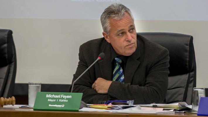"Horowhenua mayor Michael Feyen will consider whether ""sorry"" is enough over an e-mail snooping saga."