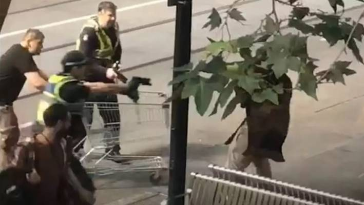 Homeless man who helped thwart Melbourne terrorist attack charged with burglary
