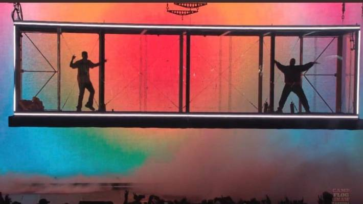 Kanye West's floating stage design has angered Lorde, who says she used one first.