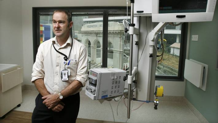 Much-loved' Wellington ICU doctor Peter Hicks dies during Mt Cook