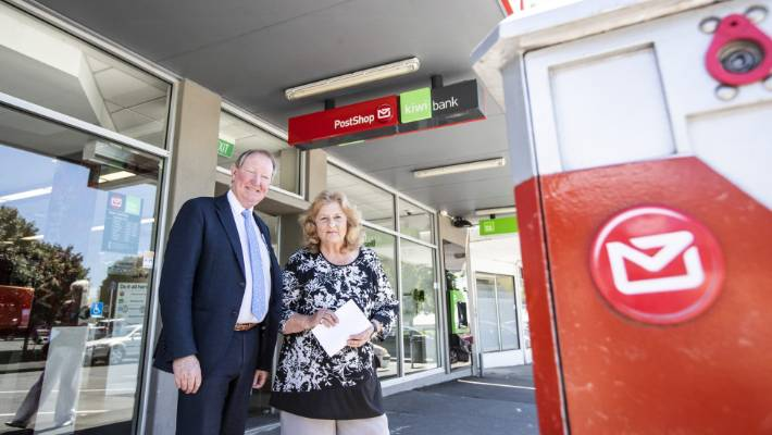 Nick Smith and Gray Power, Christine Tuffnell, at Stoke Branch of Kiwibank and NZ Post, which is proposed to close.