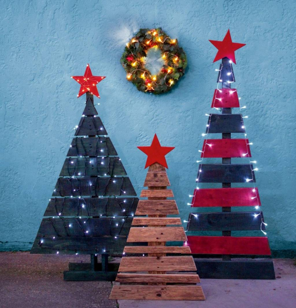 Diy Project Upcycle Pallets Into Festive Christmas Trees