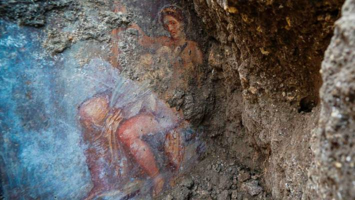 Fresco discovered in ancient Pompeii bedroom