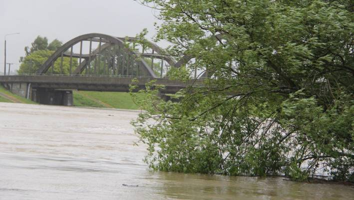 Floods in flood waters near the Balcluth road bridge in southern Otago.