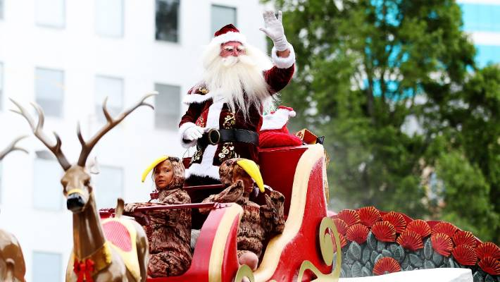 d0a8b92364df2 Neville Baker in action during the 2017 Farmers Santa Parade in Auckland s  Queen St.