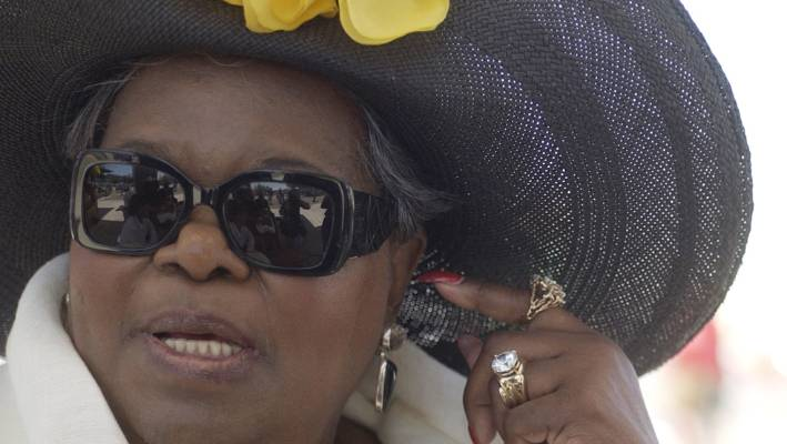 Oprah Winfrey's mother dies age 83