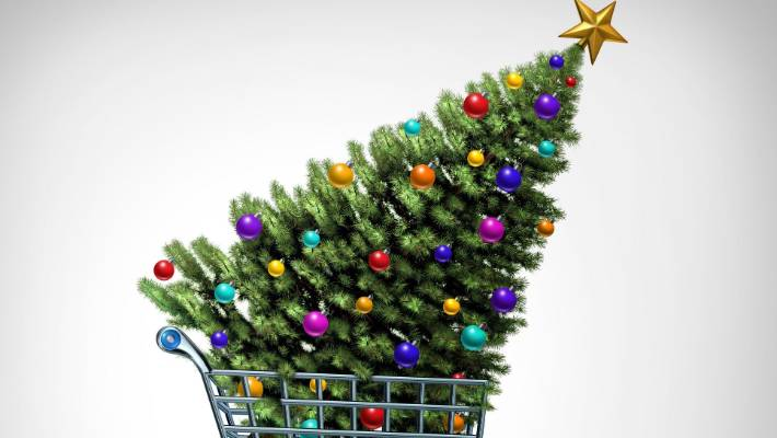 Plastic Christmas trees are damaging to the environment, but if you have someone, then apply it!