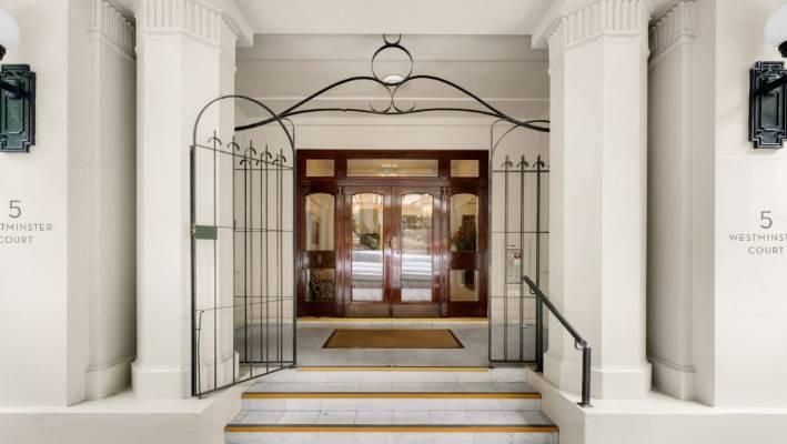 Art Deco Apartments For Sale Present A Nostalgic Look At