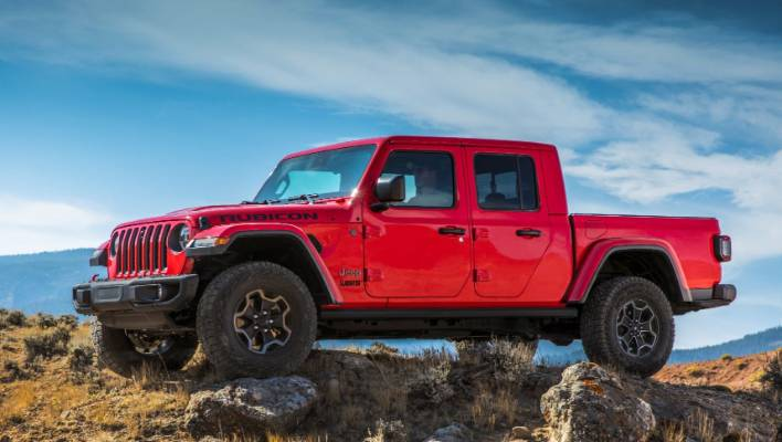 Jeep Gladiator pickup revealed: class-leading towing, diesel option, much more