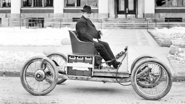 This photo from 1913 shows an electric car developed by Henry Ford and Thomas Edison.