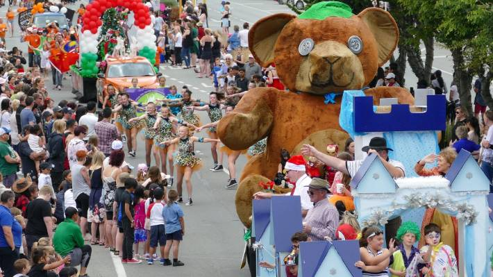 Floats and performers thrill the large crowd as they move down Dee street during the Southland Christmas Parade in Invercargill on Saturday