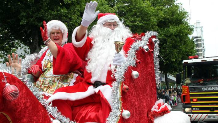 The Christmas Parade.New Plymouth S 50th Christmas Parade Defies The Weather