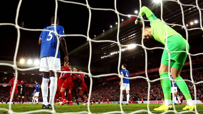 Everton goalkeeper Jordan Pickford was livid after letting in the winner for Liverpool in bizarre circumstances
