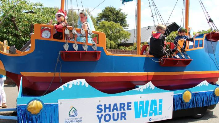 Environment Southland floats its message at the Invercargill Santa Parade