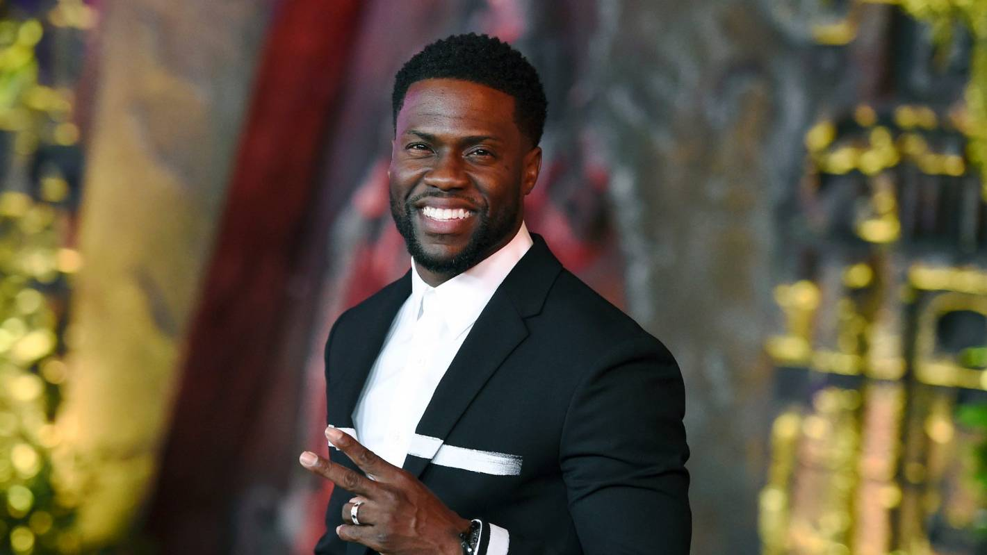 Leave phones at home or risk being 'ejected' from Kevin Hart