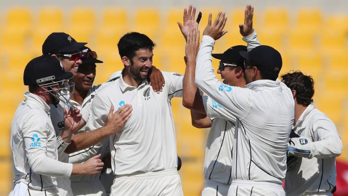 Will Somerville is centre of attention as New Zealand spark a Pakistan collapse on day five.
