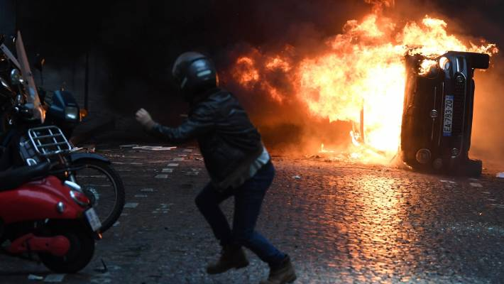 Police estimated the number of protesters in Paris on Saturday at 8000, among 31,000 protesters nationwide.