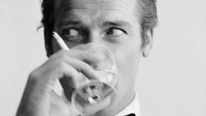 James Bond an alcoholic