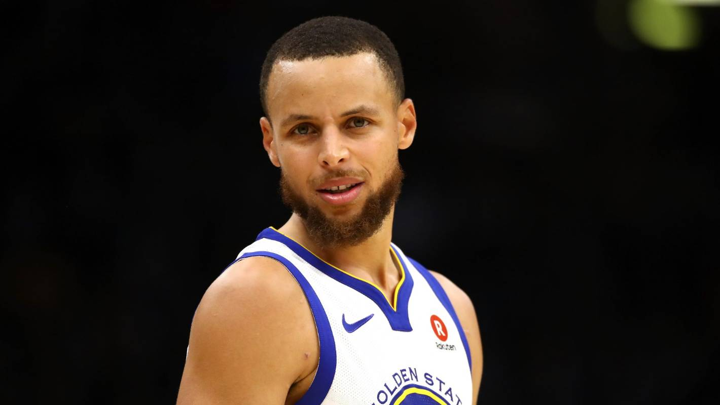 845c9bd0c040 NBA star Steph Curry says he was joking about not believing in the Moon  landing