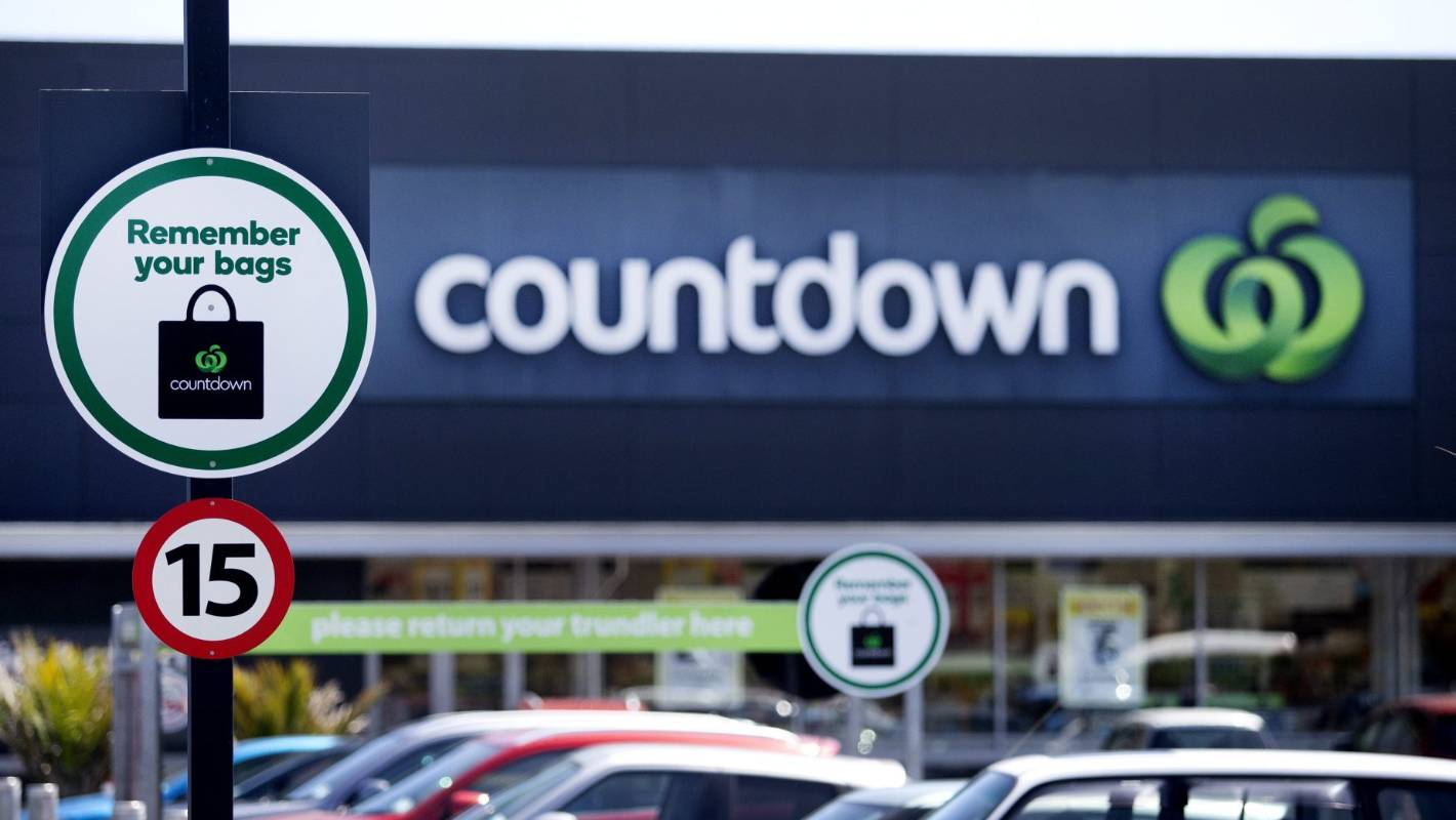 Countdown will offer paper bags as ban on plastic takes hold
