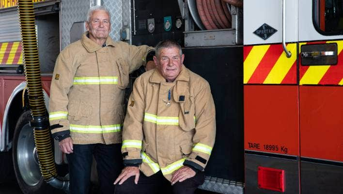 Hamilton Firefighters Hang Up Their Hoses After 50 Years On The Job Stuff Co Nz