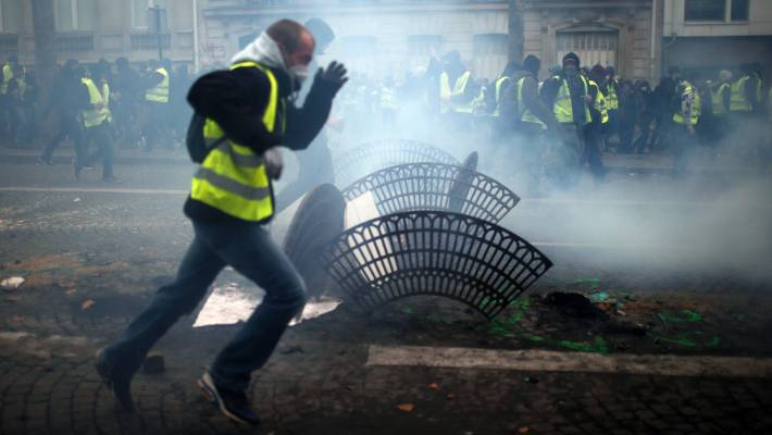 Paris police: 21 people detained before protests