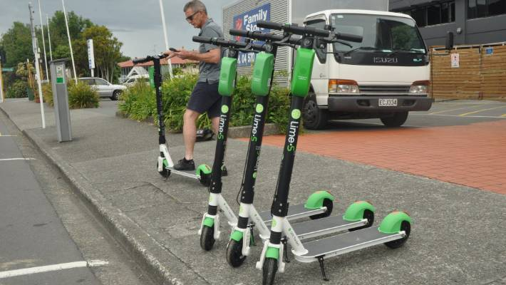 Lime e-scooters are now a transit option on Google Maps