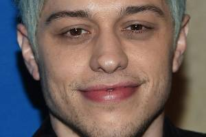 """US police check on Pete Davidson after he posts disturbing message that he didn't """"want to be on this earth anymore""""."""