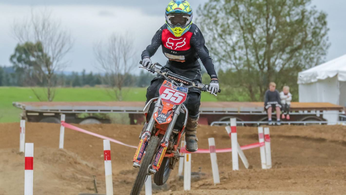 Winton super-X attracts young competitors