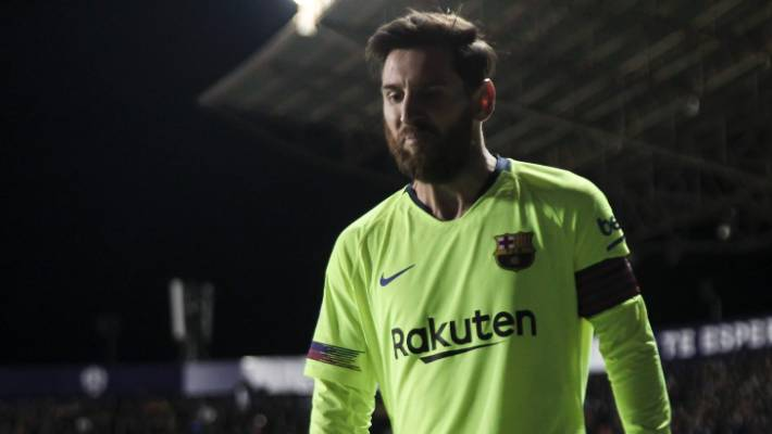 buy popular a0dc3 bc5a3 Lionel Messi bags a hat trick as Barcelona crush Levante in ...
