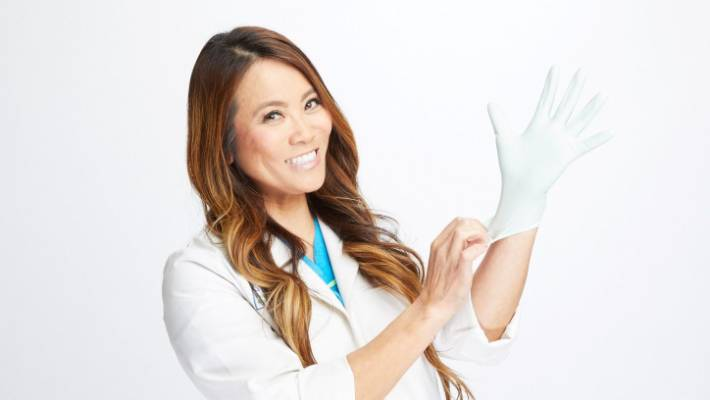 Dr Pimple Popper squeezes out a sorry tale of America's ills | Stuff