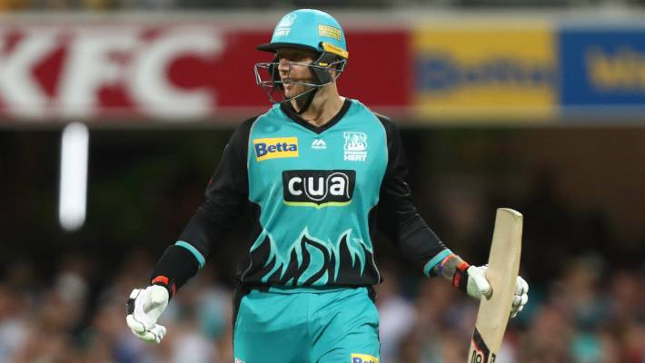 Showing sportsmanship, Adelaide Strikers open BBL title defence with win in Brisbane