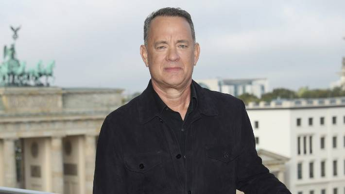 Tom Hanks treats fans to free lunch at In-N-Out Burger