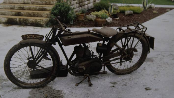 Tim Gibbes' restored 1925 New Imperial 300cc