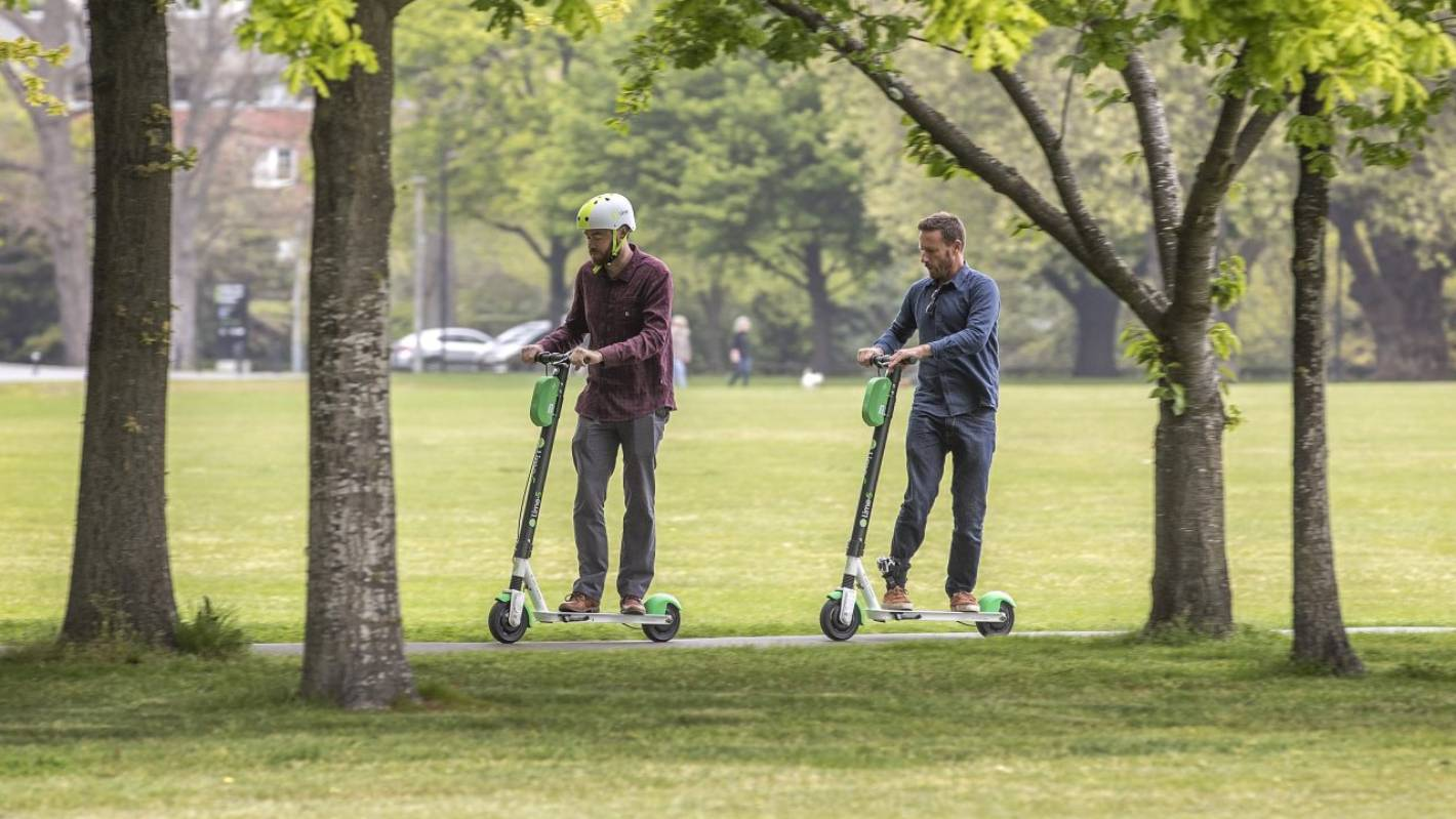 Lime scooter roll-out sparks crackdown on the Australian Gold Coast