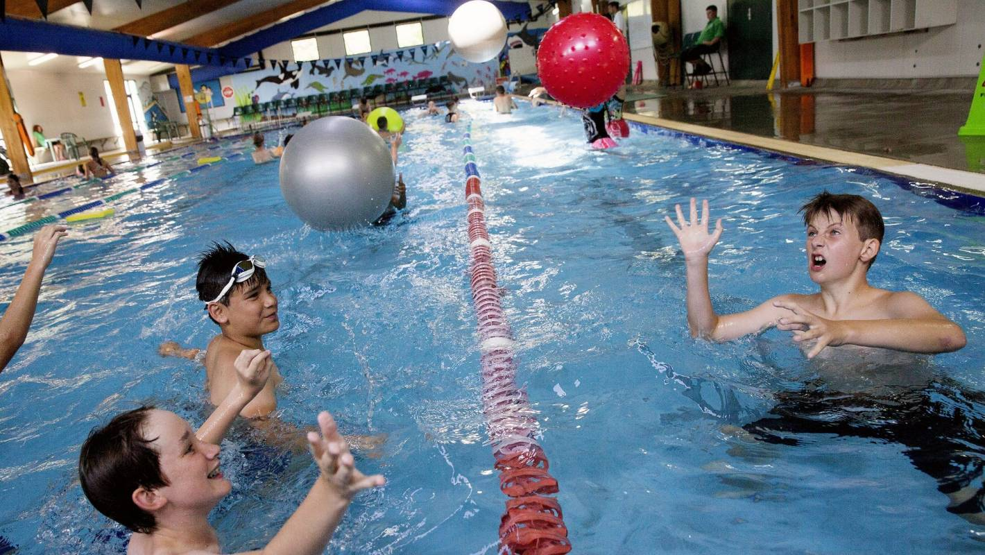 Ashhurst school pool set to re open under council management for Marlborough college swimming pool