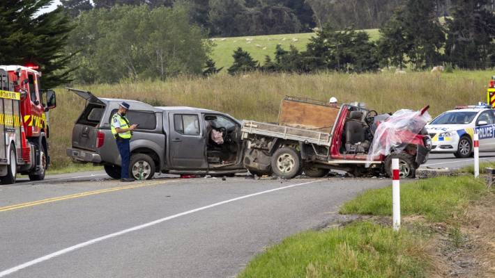 police appealing for witnesses after head on south canterbury crash