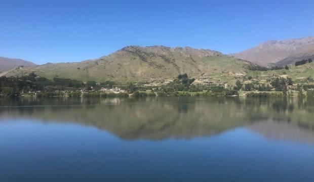 More testing needed after algal bloom confirmed in Queenstown's Lake Hayes