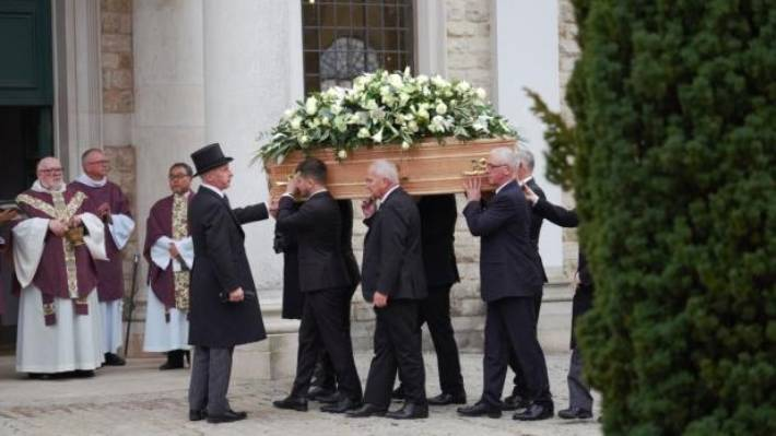 Grace Millane: Murdered backpacker's funeral held in Essex