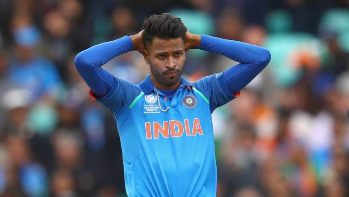 Indian cricketer Hardik Pandya has quickly apologised for controversial comments made on a TV chat show