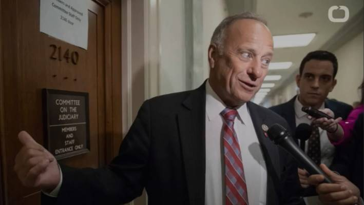 Sen. Tim Scott slams Steve King for his comments on racism