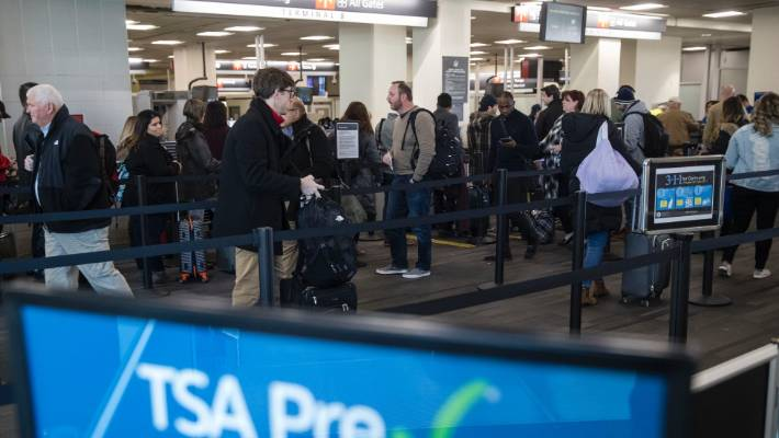Absences among US airport screeners jump as shutdown drags on