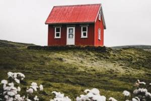The tiny house movement has grown exponentially in the past 10 years, but tiny homes are not the way to get a step on ...